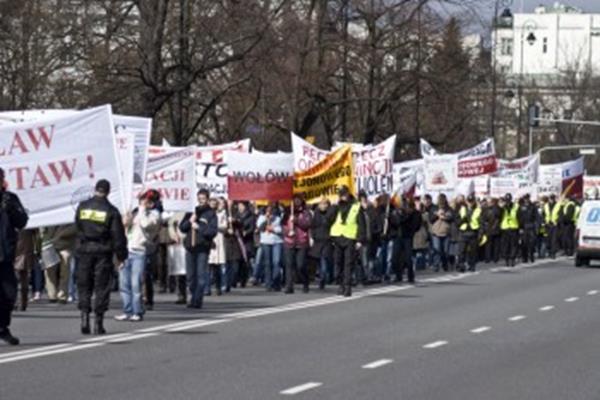 Obywatele wygrali z reformą Gowina!