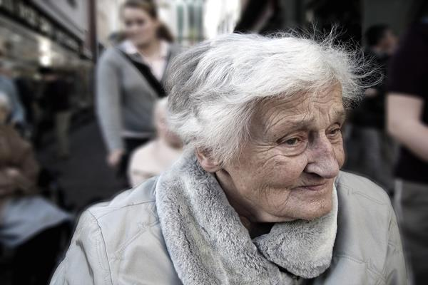 Jak przeciwdziałać wykluczeniu seniorów?