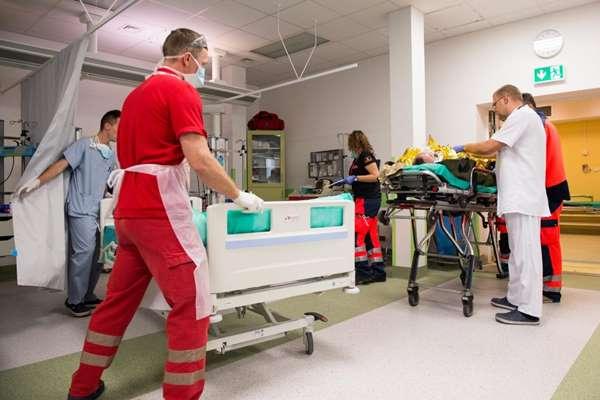 Samorząd województwa wspiera szpitale powiatowe i Domy Pomocy Społecznej