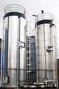 Projektowanie zbiorników na kwas solny. Jak to wygląda w praktyce?