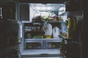 Jak wybrać lodówkę do kuchni? Na co zwrócić uwagę?
